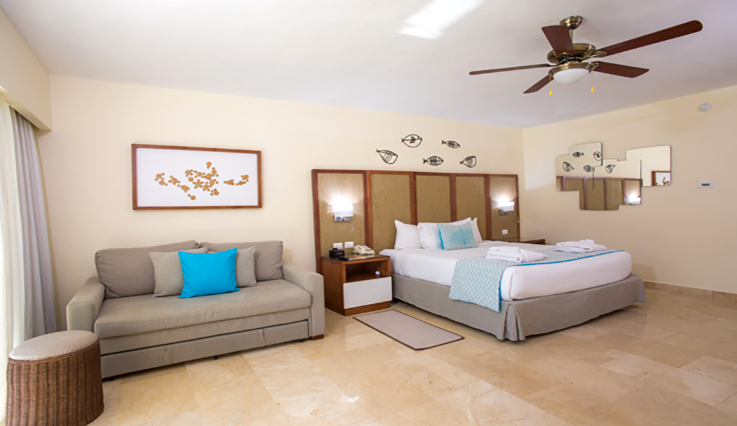 Showing slide 2 of 2 in image gallery showcasing Junior Suite Premium Tropical View
