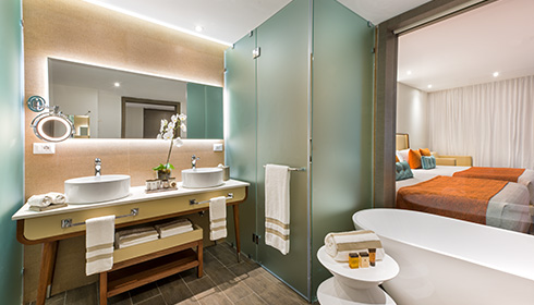 Showing slide 3 of 3 in image gallery, Pad Suite bathroom