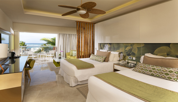 Showing slide 2 of 3 in image gallery, Preferred Club Junior suite Ocean view - Doubles