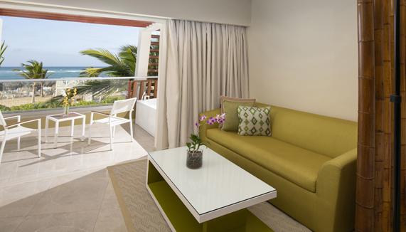 Showing slide 3 of 3 in image gallery, Preferred Club Junior suite Ocean view - Terrace