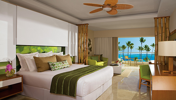 Showing slide 1 of 3 in image gallery, Preferred Club Junior suite Ocean view - King
