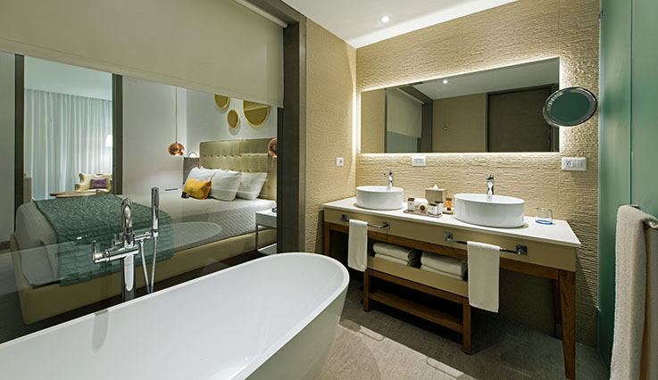 Showing slide 3 of 4 in image gallery, Family Suite - bathroom