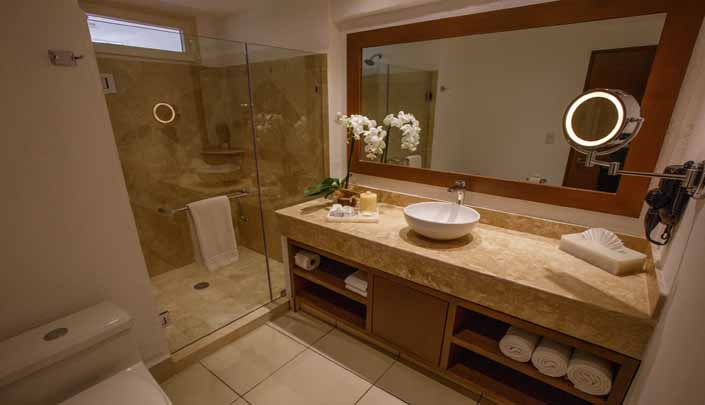 Showing slide 3 of 3 in image gallery, Deluxe Studio bathroom