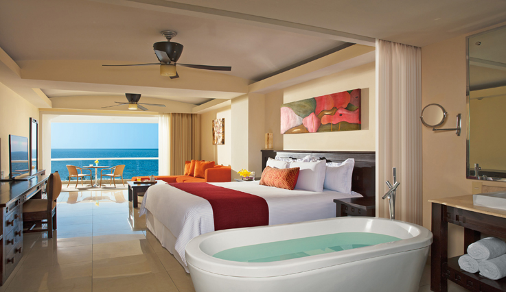 Showing slide 1 of 3 in image gallery, Junior Suite Ocean View with jacuzzi