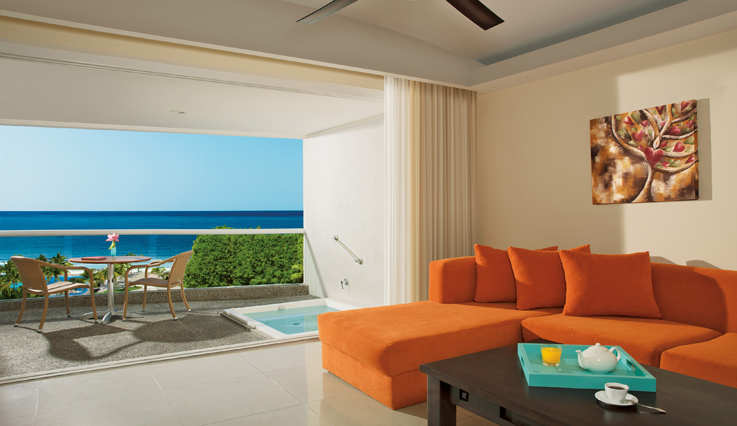 Showing slide 3 of 3 in image gallery, Junior Suite Ocean View  - Seating area