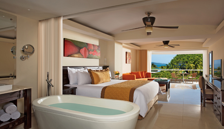 Showing slide 1 of 2 in image gallery, Junior Suite Partial Ocean View with jacuzzi