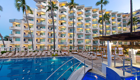 Showing Crown Paradise Golden Puerto Vallarta feature image
