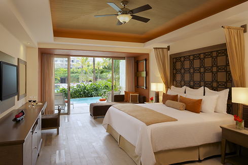 Image showcasing Preferred Club Junior Suite Swim Out*