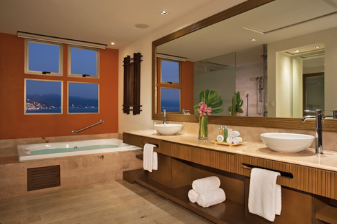 Showing slide 4 of 4 in image gallery showcasing Preferred Club Master Suite Oceanfront