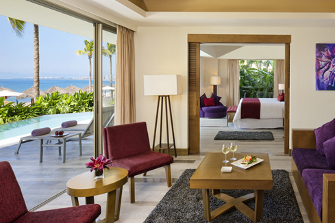 Showing slide 1 of 3 in image gallery, Preferred Club Master Suite Swimout Gardenview - seating area