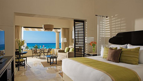 Showing slide 1 of 2 in image gallery, Preferred Club Junior Suite Ocean View