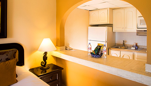 Showing slide 3 of 3 in image gallery, Junior Suite standard Kitchen