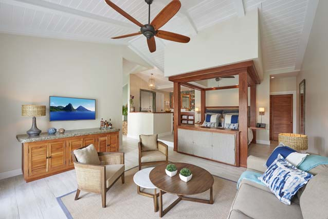 Showing slide 1 of 3 in image gallery showcasing Grande Plunge Pool Butler Suite