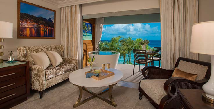 Image showcasing Emerald Beachfront Club Level Junior Suite w/ Balcony Tranquility Soaking Tub (EBT)