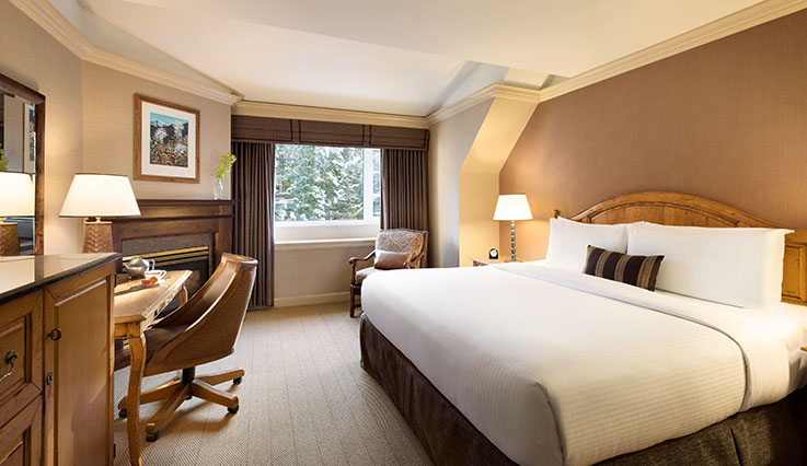 Fairmont Gold Room - king bed