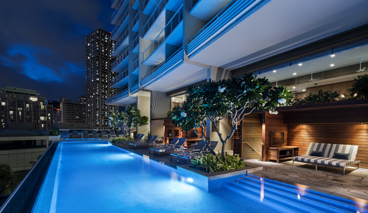The Ritz-Carlton Residences, Waikiki Beach pool