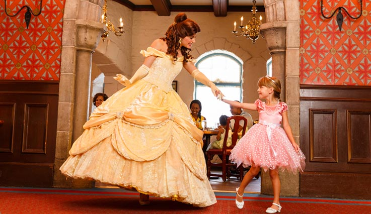 girl meeting Princess Belle